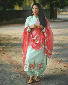 unique and trendy Punjabi Suits Designer Boutique, Boutique Suits, Indian Designer Suits, Designer Salwar Suits, Indian Suits, Indian Dresses, Indian Wear, Punjabi Suits Party Wear, Punjabi Salwar Suits