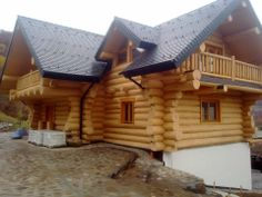 More pictures about this house (inside and outside) , here : http://www.natural-home4u.com/apps/photos/album?albumid=14208223 — Casa din busteni / wood house in Romania (11 photos)