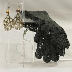 BLACK SAILS MAX JESSICA PARKER KENNEDY PRODUCTION WORN HAIR PIN EARRINGS GLOVES