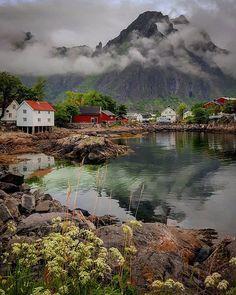 Lofoten,North-Norway . . #bestcaptureglobal #highlightsnorway #igscandinavia #thebestofscandinavia #norway_photolovers #bns_waters #bns_earth #fotoeimmagini #fotofanatics_alltags_ #travel_overtheworld #wow_planet #master_shots #bestnatureshot #big_shotz #ig_fotografdiyari #wonderful_globe #ig_skyline #best_free_shot #total_landscapes #bns_norway #bns_sky #allunique #ig_nordnorge #rebel_nature #fotocatchers #bestcaptureglobal #igw_aqua #tv_aqua #tv_landscapes  #unlimitedscandinavia
