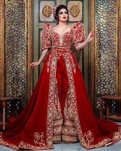 """discover tunisia 🇹🇳 on Instagram: """"#الطريون_التونسي #الطريون_القيرواني #اللباس_التقليدي_التونسي #الكسوة_التونسية #tarayoun #keswatunisienne"""" Traditional, Formal Dresses, Fashion, Womens Fashion, Long Dress Formal, Gowns, Dresses For Formal, Moda, Formal Gowns"""
