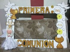 Primera comunión Foto Frame, Photo Frame Prop, Picture Frames, First Communion Favors, First Holy Communion, Baby Shower Candy Table, Communion Centerpieces, Birthday Pictures, Unicorn Party