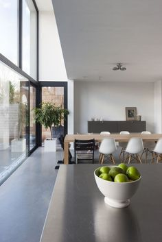 Would love floor to ceiling windows like this in my dining room but only if I didn't have to clean them (I'm scared of heights!) home designed by Belgian architect Sarah Flebus for Patio Interior, Interior Exterior, Kitchen Interior, Modern Interior, Interior Styling, Exterior Design, Interior Architecture, Home Interior, Casa Milano