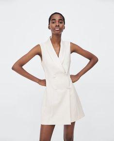 Imagen 2 de CHALECO VESTIDO SMOKING de Zara Zara Models, Blazer Dress, Dress Vest, Lawyer Outfit, Mode Mantel, Tuxedo Dress, Outerwear Women, Zara Dresses, Simple Dresses