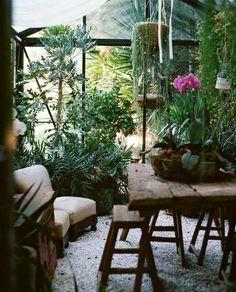 A garden room - anyone who knows me, realizes that this woul. A garden room Outdoor Rooms, Outdoor Gardens, Indoor Outdoor, Outdoor Living, Small Gardens, Plantas Indoor, Bohemian House, Bohemian Interior, Bohemian Decor