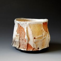 Chawan (tea ceremony bowl) - Shino glaze, x x inches This chawan will come with tomobako. Pottery Mugs, Ceramic Pottery, Pottery Art, Slab Pottery, Pottery Studio, Japanese Ceramics, Japanese Pottery, Sculptures Céramiques, Ceramic Sculptures