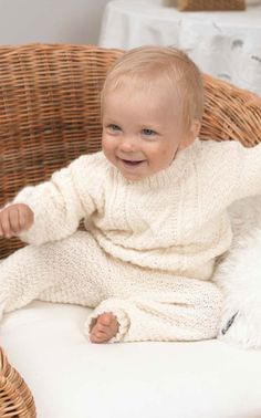 Novita Oy - Neulemalli: Vauvan palmikkopusero ja housut Knitting, Face, Crafts, Manualidades, Tricot, Breien, Stricken, Weaving, Handmade Crafts