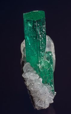 Beryl (var emerald), Calcite Chivor Mine, Mun. de Chivor, Boyacá Department, Colombia