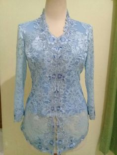Kebaya wisuda Kebaya Lace, Batik Kebaya, Kebaya Dress, Batik Dress, Batik Fashion, Abaya Fashion, Fashion Dresses, Myanmar Traditional Dress, Traditional Dresses