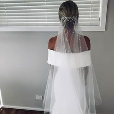 wedding hair with veil Unusual Veils For Every B. wedding hair with veil Unusual Veils For Every Bride To Stand Out w Bride Veil, Wedding Dress With Veil, Wedding Veils, Wedding Bride, Wedding Day, Wedding Scene, Wedding Beach, Church Wedding, Rustic Wedding