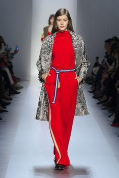 I pantaloni a palazzo sono i più belli e alla moda dell'Autunno Inverno 2017-2018 e i modelli da avere sono questi 20