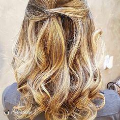 Para @mileneraabe E esse meu hair quero todos os dias haha! Arte da querida @luanagonck do @espacodellasbar. Pra ser bonita divirta-se! #espacodellasbar #hair #hairstyle #haisrstylist #coiffeure #ootd #lookoftheday #espacodellas #nail #drinks #coffee #lunch #joy #friends  #fun #lifestyle #love #life #poa #rs #brasil#blowoutime
