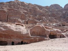 #magiaswiat #podróż #zwiedzanie #jordania #blog #azja  #jerash #twierdza #kosciol #amman #miasto #zabytki #muzeum #katedra #rzymskie #ruiny #stadion #madaba #goranebo #betania #jordan #morzemartwe #petra #al-kerak #pustynia Petra, Grand Canyon, Snow, Nature, Travel, Outdoor, Jordan Spieth, Outdoors, Naturaleza