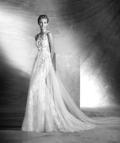 VINTAGE - Vestido de novia escote corazón con sexy | Pronovias