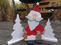 Bildergebnis für Vorlagen Nikoläuse aus Holz Winter Wood Crafts, Christmas Wood Crafts, Christmas Porch, Christmas Elf, White Christmas, Christmas Decorations, Christmas Ornaments, Holiday Decor, Wooden Reindeer