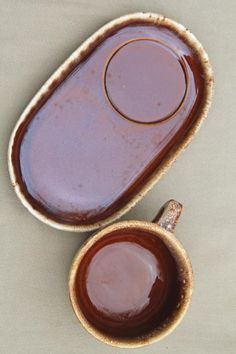 Hull brown drip glaze pottery soup mugs & snack tray plates, soup & sandwich sets