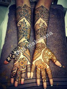 Peacock Mehndi Designs, Khafif Mehndi Design, Mehndi Designs For Girls, Stylish Mehndi Designs, Dulhan Mehndi Designs, Wedding Mehndi Designs, Mehndi Design Pictures, Mehendi, Pakistani Henna Designs