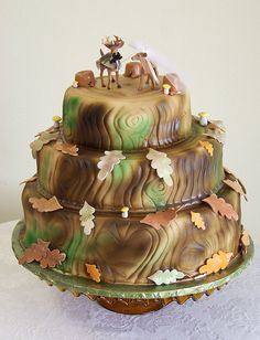 Tree Stump with Deer Wedding Cake | Flickr - Photo Sharing!