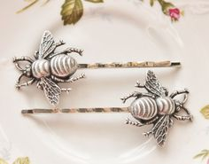 I want bee hair pins. A little Leslie in my wedding.