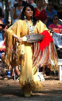 What a beautiful buckskin dress! Native American Dress, Native American Regalia, Native American Beauty, Native American Photos, American Indian Art, Native American History, Cherokee, Indiana, Native Style
