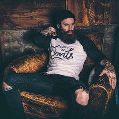 /// ripped denim + raglan tee + beard ///