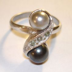 Sarah Coventry Rings | vintage SARAH COVENTRY silver ring with gray pearls and rhinestones