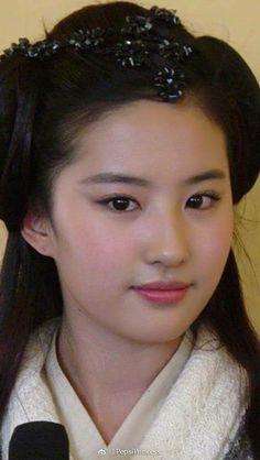 Nice girls Beautiful Girl Indian, The Most Beautiful Girl, Cute Girls, Cool Girl, China Girl, Asian Makeup, Sexy Asian Girls, Beauty Women, Asian Beauty