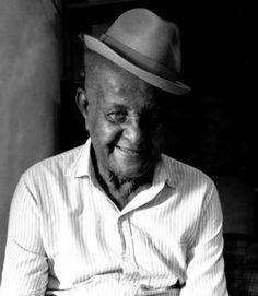 Seu Nenê - fundador da escola de samba Nenê de Vila Matilde
