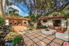 Dean Martin's former Brentwood hacienda sells for over the asking price - Los Angeles Times ranch-style Hacienda Style Homes, Spanish Style Homes, Ranch Style Homes, Spanish House, Spanish Hacienda Homes, Spanish Haciendas, Spanish Revival, Spanish Colonial, Spanish Exterior