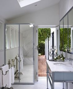 #ColletteDinnigan's bathroom at her #Sydney home