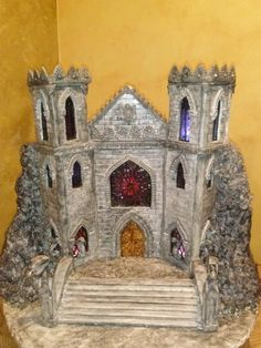 Castle made out of pastillage, gumpaste and fondant.,stained windows made with candy. Tiara Cake, Edible Creations, Fantasy Castle, Bizarre, Novelty Cakes, Gum Paste, Cake Art, Christmas Home, Cake Designs