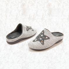 84d17e12025 Zapatillas de mujer Garzon · Pantuflas para casa cómodas i divertidas,  tejido de punto con estrella decorada con motivos en