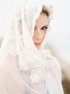 Stunning Wedding Veil| Photos by Lara Lam
