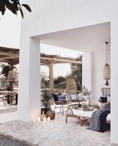 Bright sunshine, turquoise blue sea, whitewashed finca … - All About Balcony Garden Deco, Terrace Garden, Outdoor Spaces, Outdoor Living, Outdoor Decor, Terrazas Chill Out, Cozy Patio, Balkon Design, Hallway Designs