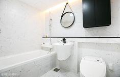 [아파트인테리어] 예쁜집 로망실현! 개구쟁이 두 아들도 웃음가득 47평 보금자리 : 네이버 포스트 Bathtub, Mirror, Bathroom, Furniture, Home Decor, Standing Bath, Washroom, Bathtubs, Decoration Home