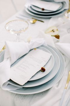 La Tavola Fine Linen Rental: Adelaide Ivory with Aurora White Table Runner and Tuscany White Napkins | Photography: Emina Omeragic Photography, Planning & Design: Blossoms & Grace, Florals: I Do Rentals AZ, Rentals: UrbAna and Foxtail Rentals, Venue: The Clayton on the Park