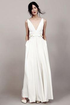 Une marque allemande de robes de mariée ? Mais oui, si c'est Kaviar Gauche, jeune maison berlinoise. Je craque pour la robe de mariée papillon, sublime...