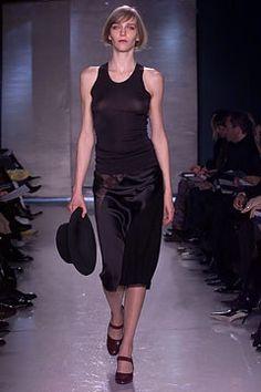 Donna Karan Fall 2002 Ready-to-Wear Fashion Show - Hannelore Knuts, Donna Karan
