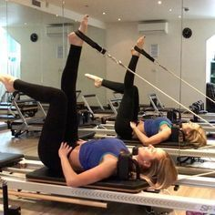 Single leg strap work here's a lil sequence I like to use in class I use a red and white spring. Have a #funfriday #powerpilatesuk #reformerpilates #pilates