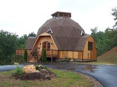 Dome House with ceilings, marble gas fireplace,oak, walnut, tile and frieze carpet flooring. Monolithic Dome Homes, Geodesic Dome Homes, Igloo House, Dome House, Eco Construction, Forest House, Round House, Tiny House Living, Future House