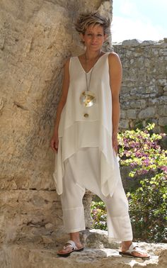 white loose fit layered silk top with linen harem pants -:- AMALTHEE -:- n° 3329