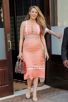 Blake Lively Is Having The 'Most Rewarding Acting Experience': Photo Blake Lively is all smiles in a nude pink dress while making her way out of her hotel on Tuesday (July in New York City. The pregnant actress… Blake Lively Feet, Blake Lively Family, Blake Lively Style, Blake Lively Pregnant, Daily Fashion, Girl Fashion, Blake Lovely, Blake And Ryan, Evolution Of Fashion
