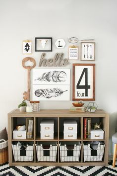 H A B I T A N 2 Decoración handmade para hogar y eventos www.habitan2.com  Black & White Entryway Refresh