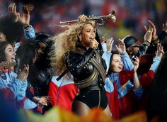 Beyonce joined Coldplay onstage during the Super Bowl 50 halftime show on Sunday, Feb. and performed her new song, 'Formation' — details Beyonce Halftime Show, Beyonce Show, Beyonce And Jay Z, Beyonce Super Bowl 50, After The Show Ends, Los Grammy, Formation Tour, Blue Ivy, Spectacle