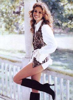 <3 what a pretty woman ;)