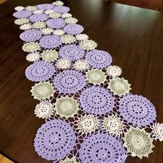 Hand Crocheted Table Runner - I want this pattern!