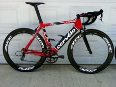 Cervelo Soloist with SRAM Red, Zipp 404s, and Speedplays. Perfect BF photo etiquette for bike pron.