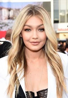 Well, it's official: Hair strobing is now a thing. To see what exactly makes Gigi Hadid's blond hair look SO good, click!