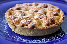 Æbletærte med marcipan og hasselnødder Apple Pie, Sweet Treats, Food And Drink, Bread, Snacks, Cookies, Cake, Desserts, Google