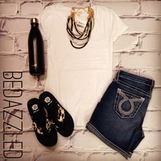 Stop in for this cute new outfit! White Tee $8.99 (small-large) Big Star Shorts $98 Sandals $28.99 Necklace $18.99 25oz S'well Bottle $46.99 #bedazzledokc #boutique #okc #shopbedazzled